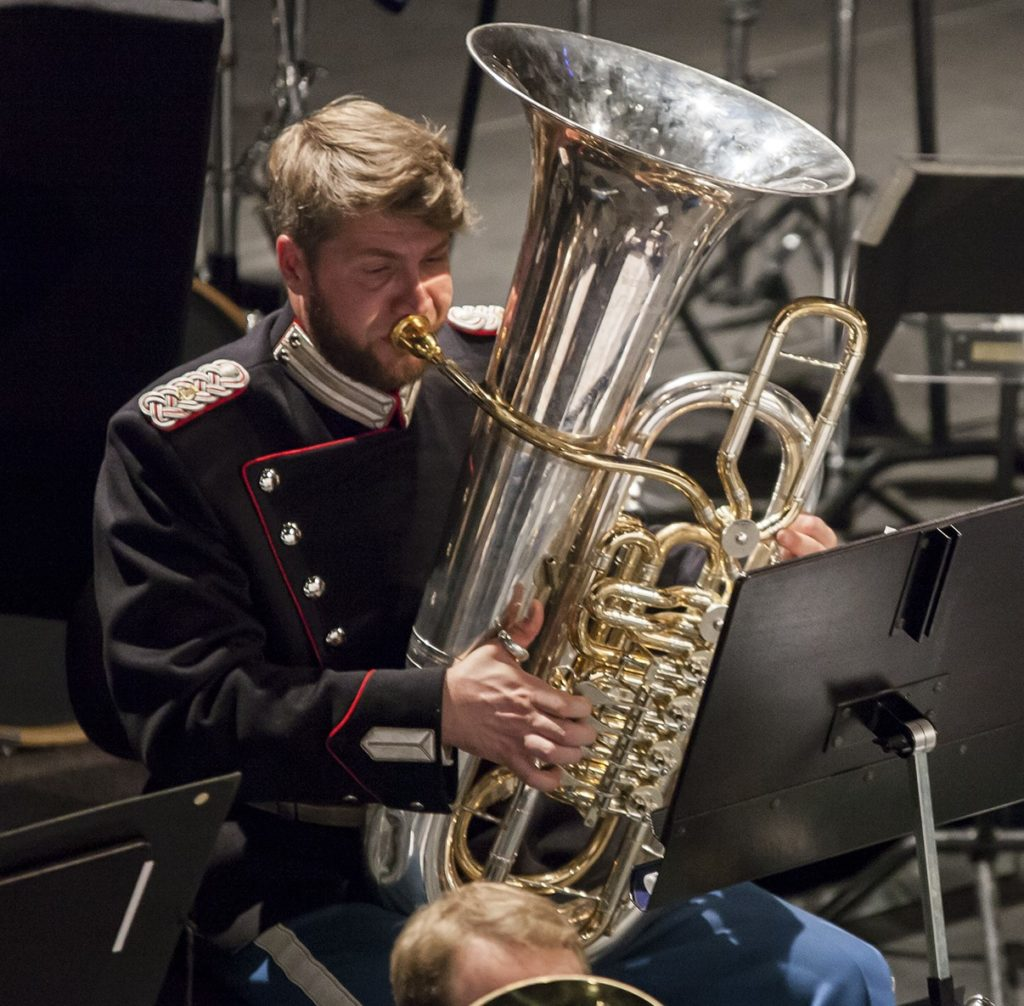 Jesper Hyllested, tuba. Foto: Elisabeth Rihn, 2015